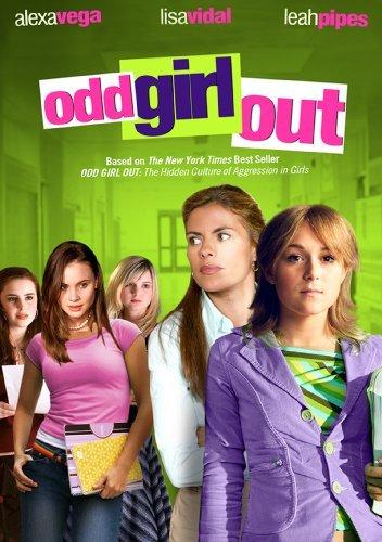Elizabeth Rice در صحنه فیلم سینمایی Odd Girl Out به همراه Alexa PenaVega، Leah Pipes، Alicia Morton و Lisa Vidal