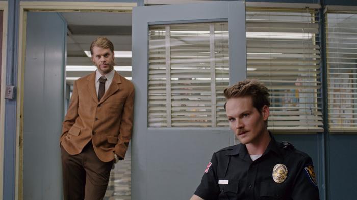 Adam Nee در صحنه فیلم سینمایی Band of Robbers به همراه Eric Christian Olsen