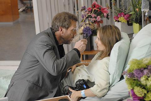 Anne Ramsay در صحنه سریال تلویزیونی دکتر هاوس به همراه Hugh Laurie