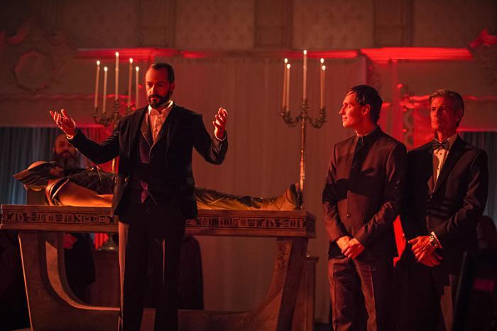 Nikolai Witschl در صحنه سریال تلویزیونی افسانه های فردا به همراه Falk Hentschel و کاسپر کرامپ