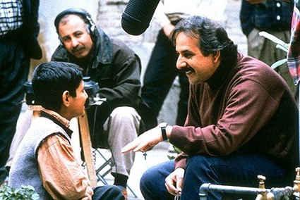 مجید مجیدی در پشت صحنه فیلم بچه های آسمان