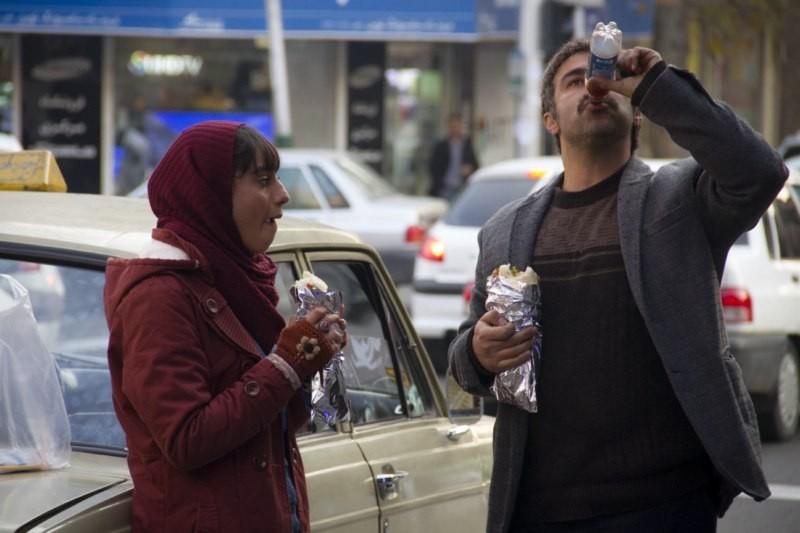 ترلان پروانه و محسن تنابنده در فیلم فراری
