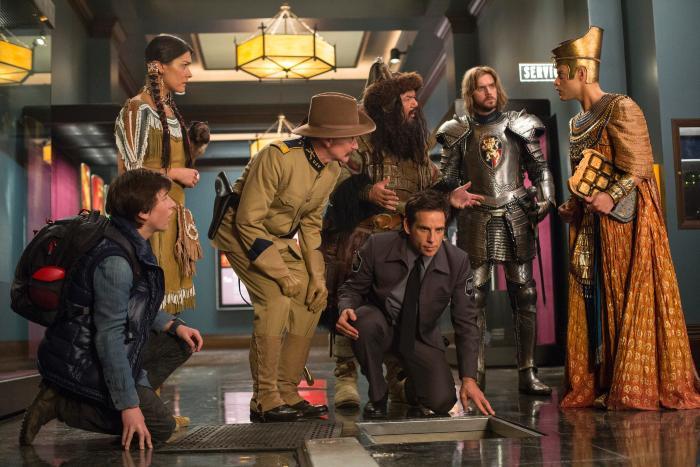 Patrick Gallagher در صحنه فیلم سینمایی شب در موزه به همراه Rami Malek، رابین ویلیامز، Ben Stiller، دن استیونز، Mizuo Peck و Skyler Gisondo