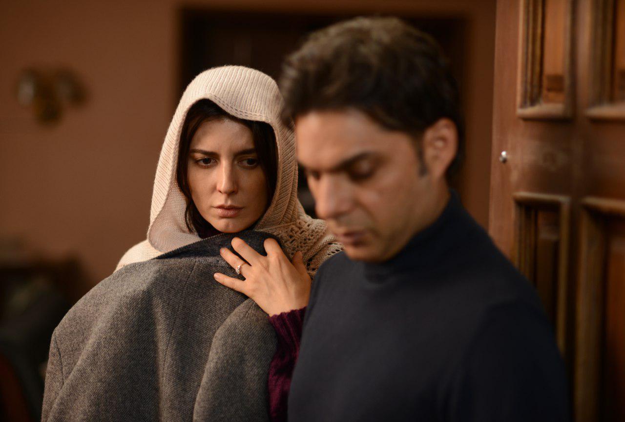 پیمان معادی و لیلا حاتمی در فیلم سینمایی بمب یک عاشقانه