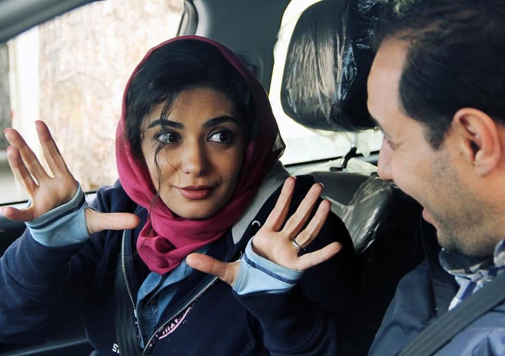لیندا کیانی و جواد عزتی در فیلم سینمایی اکسیدان