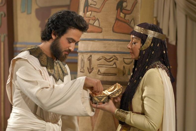 مصطفی زمانی و کتایون ریاحی در سریال یوسف پیامبر