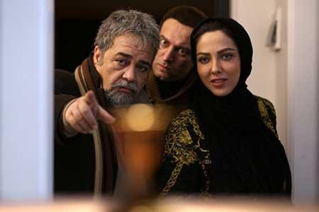 محمدرضا شریفی نیا و مجید صالحی در فیلم سه بیگانه