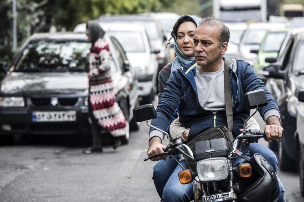 نیکی کریمی و حمیدرضا اذرنگ در فیلم آذر