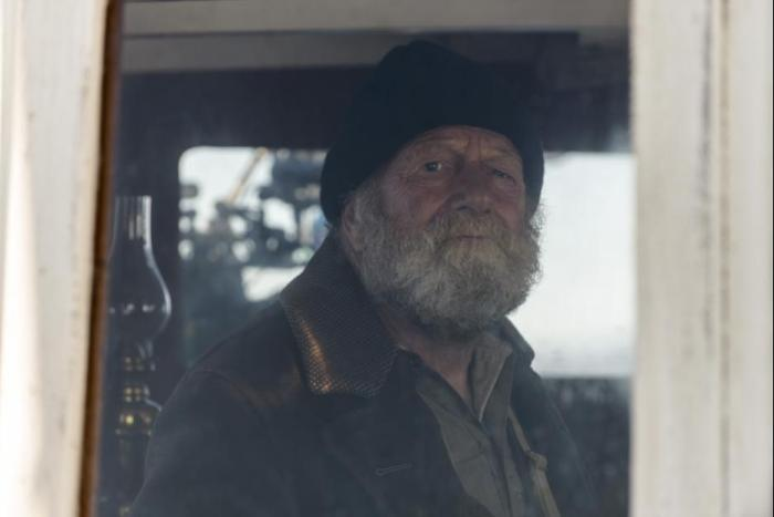 Jack Thompson در صحنه فیلم سینمایی نور بین اقیانوس ها