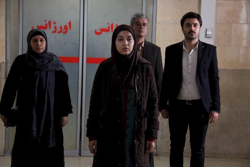 یاسر جعفری در صحنه سریال تلویزیونی گمشدگان به همراه روشنک گرامی