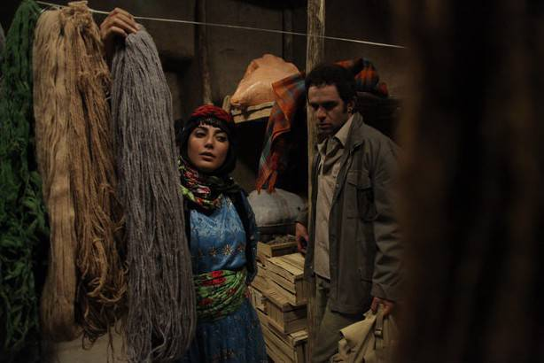 طناز طباطبایی و بابک حمیدیان در فیلم 50 قدم آخر