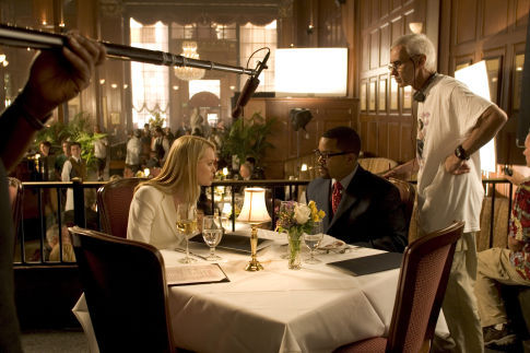 Sunny Mabrey در صحنه فیلم سینمایی تریپل اکس: دولت متحد به همراه Ice Cube و Lee Tamahori