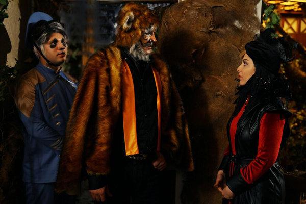 حسام نواب صفوی و لیلا اوتادی در فیلم سینمایی آهوی پیشونی سفید 2