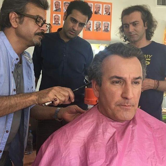 صالح میرزا آقایی در تست گريم سریال تلویزیونی سرزمین مادری به همراه مجید اسکندری