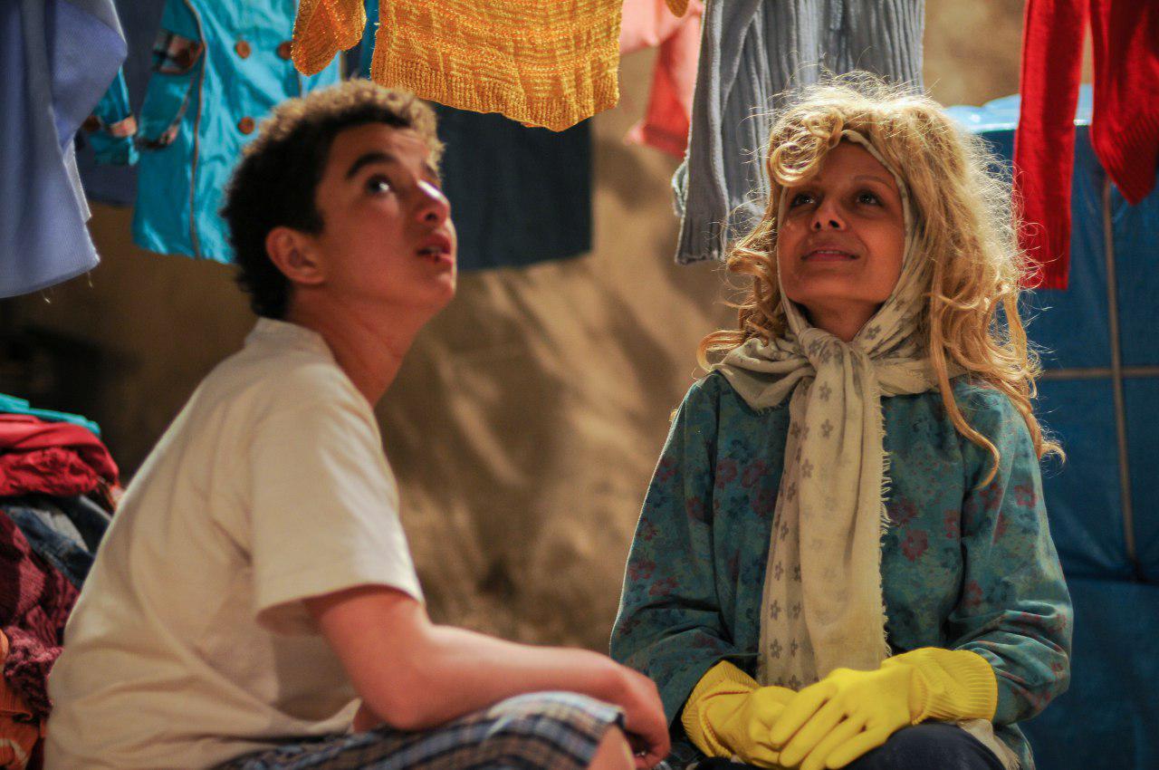 ساره بیات و مهدی قربانی در فیلم بیست و یک روز بعد
