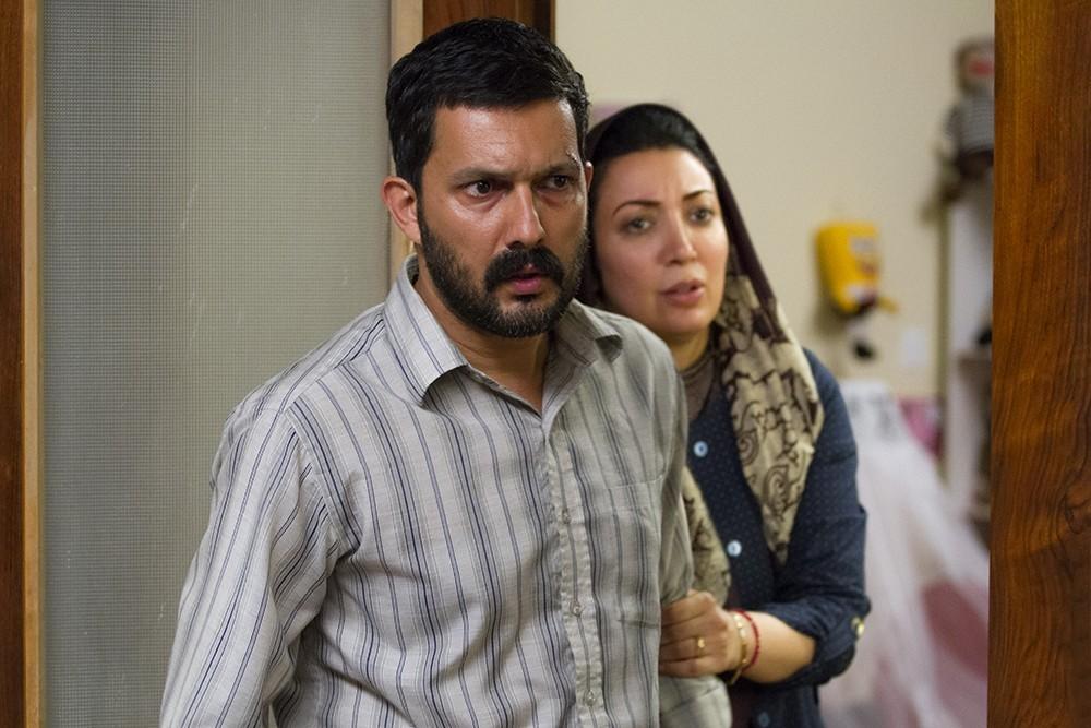 حامد بهداد و نگار عابدی در فیلم سد معبر