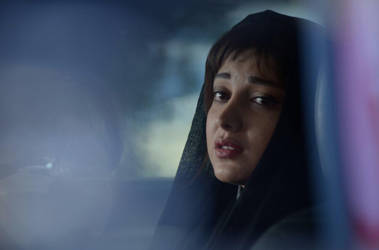 روشنک گرامی در فیلم سینمایی یک کیلو و بیست و یک گرم