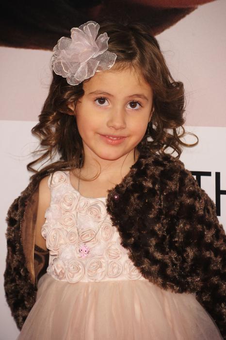 Zoe Niemkiewicz در صحنه فیلم سینمایی نامزدی پنج ساله
