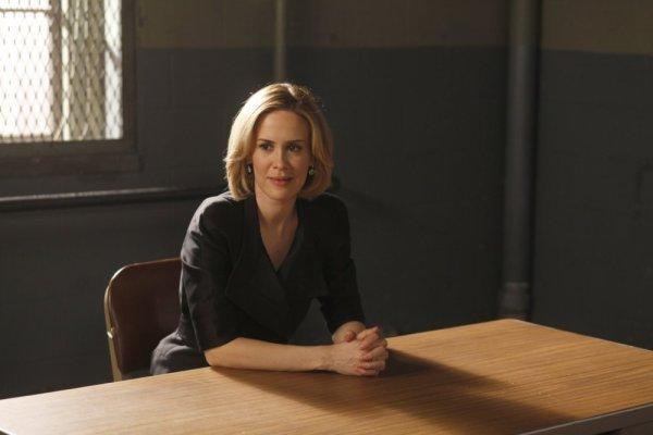 سارا پاولسون در صحنه سریال تلویزیونی قانون و نظم: واحد قربانیان ویژه