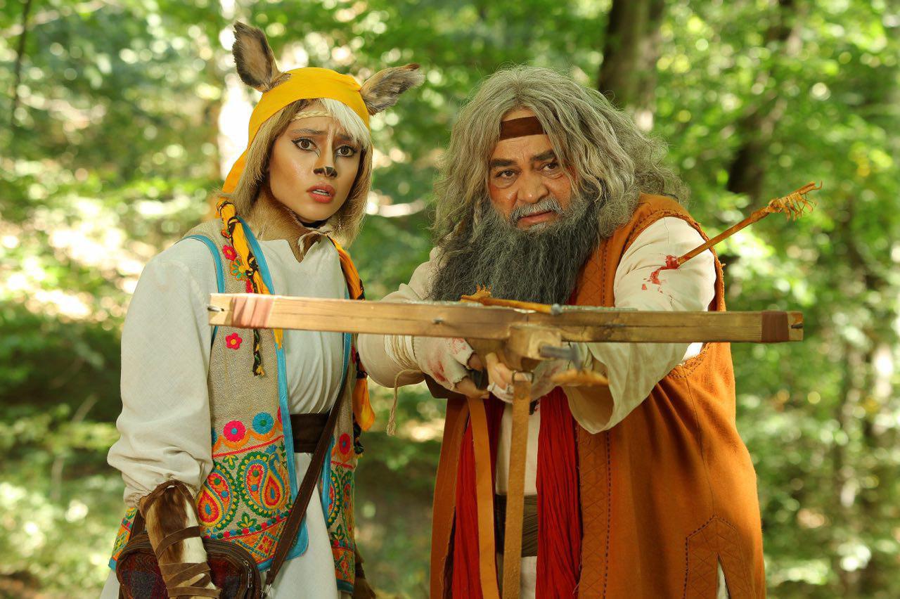 ترلان پروانه و محمدرضا شریفینیا در فیلم سینمایی آهوی پیشونی سفید 2