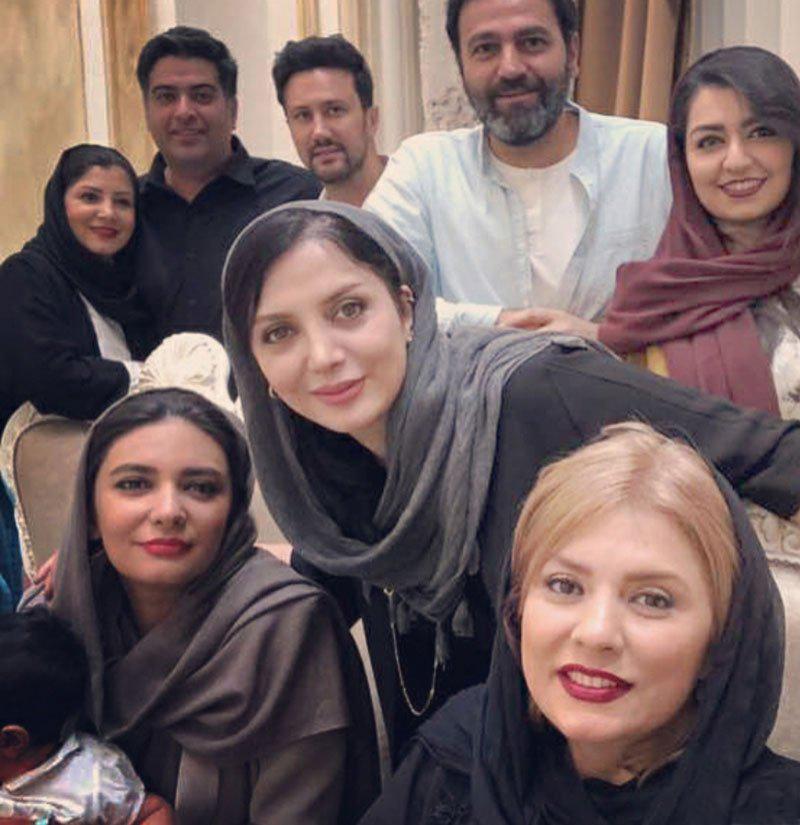 آرش مجیدی در پشت صحنه سریال تلویزیونی دلدادگان به همراه رویا میرعلمی، شاهرخ استخری مراغه و لیندا کیانی