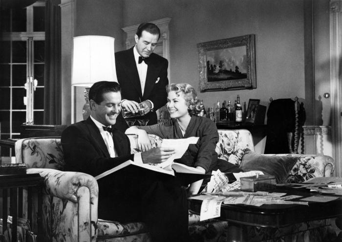 ری میلند در صحنه فیلم سینمایی ام را به نشانه مرگ بگیر به همراه گریس کلی و Robert Cummings