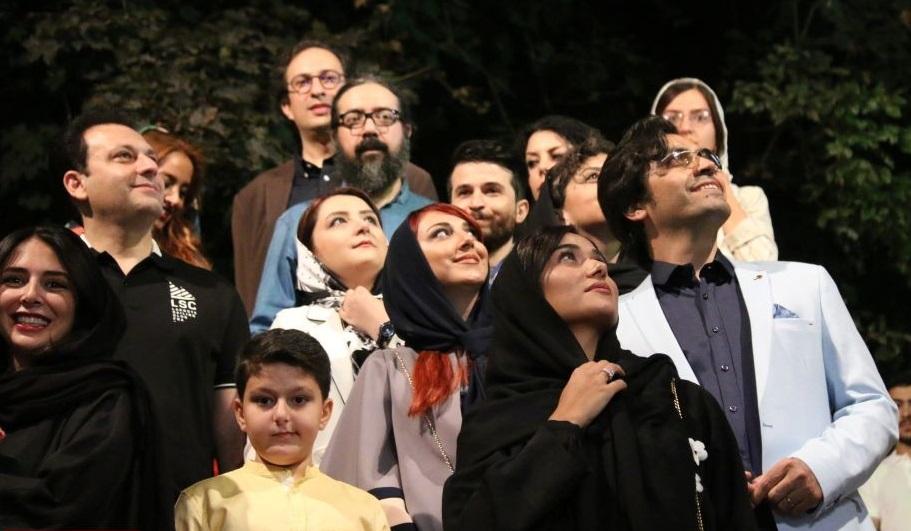 سهراب خسروی در اکران افتتاحیه فیلم سینمایی تابستان داغ به همراه پریناز ایزدیار و ابراهیم ایرج زاد