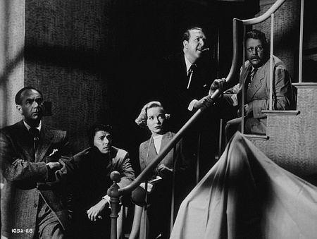 Herb Vigran در صحنه فیلم سینمایی Bedtime for Bonzo به همراه Jesse White، Ronald Reagan، Diana Lynn و Walter Slezak