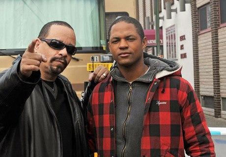 Ernest Waddell در صحنه سریال تلویزیونی قانون و نظم: واحد قربانیان ویژه به همراه Ice-T