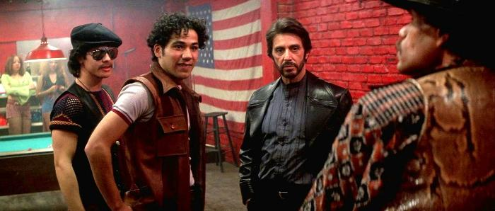 Rick Aviles در صحنه فیلم سینمایی راه کارلیتو به همراه John Ortiz و آل پاچینو