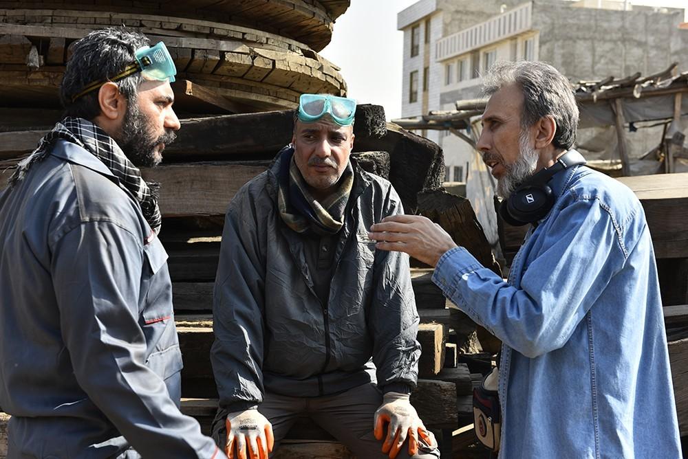 امیر جعفری و حسین شهابی در فیلم آزاد به قید شرط