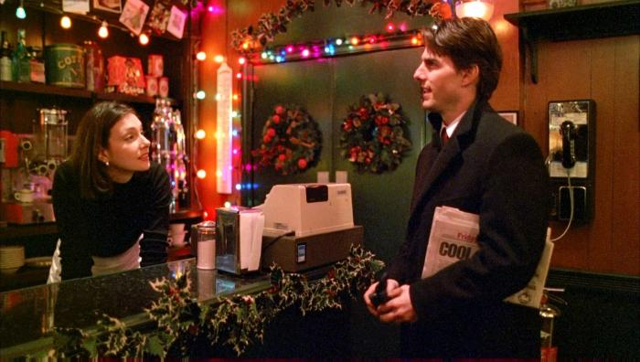 Cindy Dolenc در صحنه فیلم سینمایی چشمان کاملا بسته به همراه تام کروز