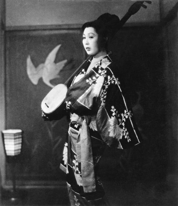Mitsuko Mito در صحنه فیلم سینمایی اوگتسو مونوگاتاری