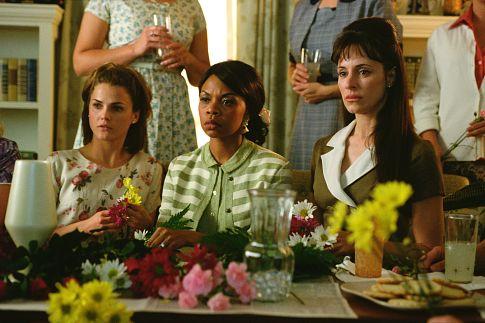 Simbi Khali در صحنه فیلم سینمایی ما سرباز بودیم به همراه Madeleine Stowe و کری راسل