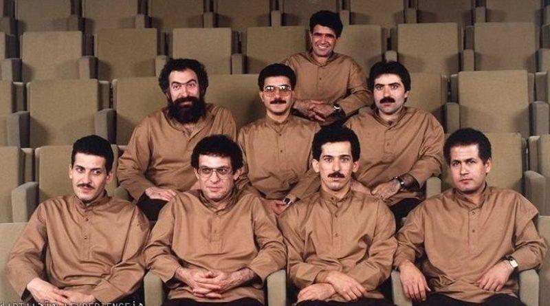 حسین علیزاده در صحنه فیلم سینمایی چاووش، از درآمد تا فرود به همراه محمدرضا شجریان