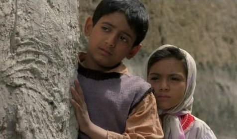 میرفرخ هاشمیان و بهاره صدیقی در فیلم بچه های آسمان