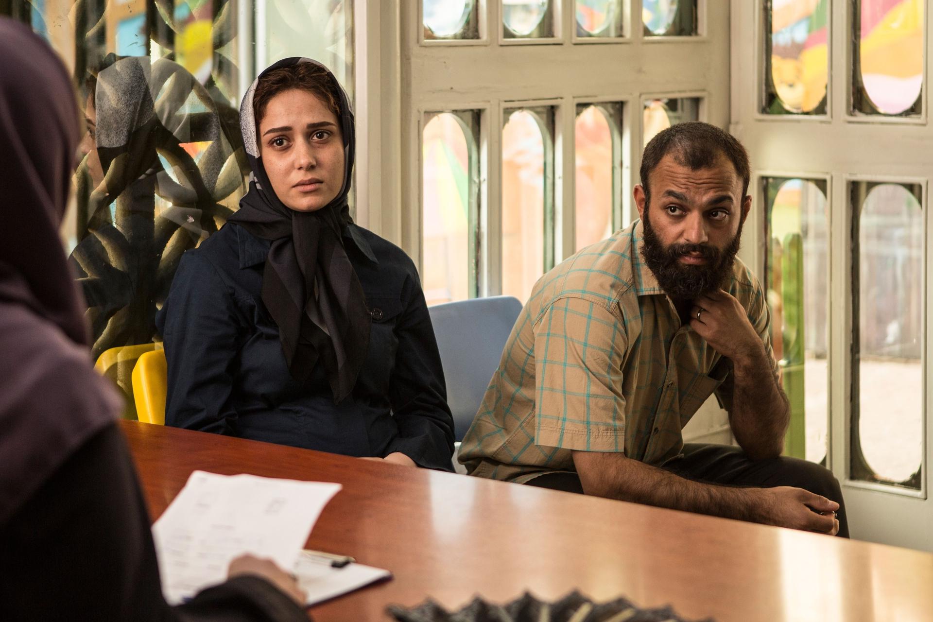 پریناز ایزدیار و صابر ابر در فیلم تابستان داغ