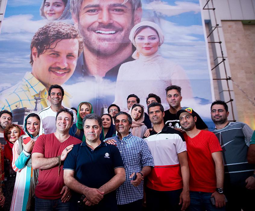 هادی ساعی در اکران افتتاحیه فیلم تلویزیونی آینه بغل به همراه سید امیر پروین حسینی، منوچهر هادی و مهلقا باقری