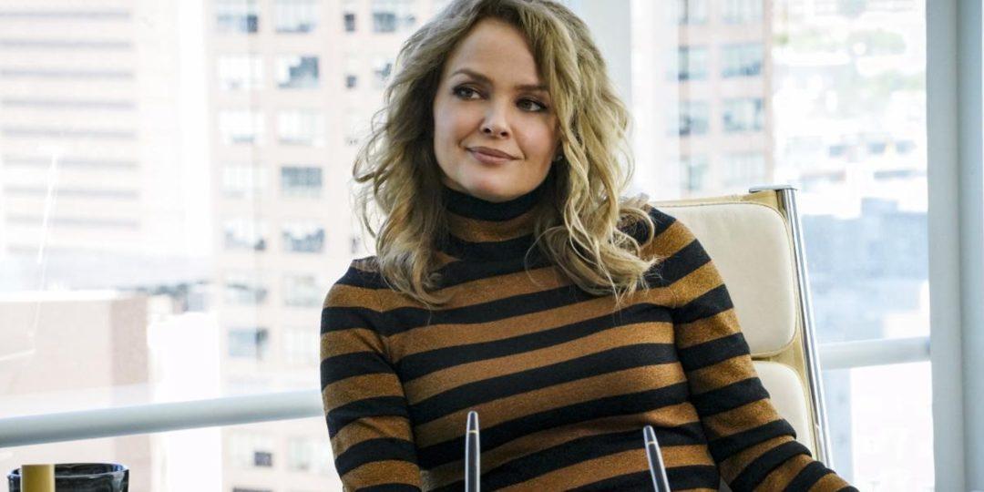 Dina Meyer در صحنه سریال تلویزیونی NCIS: Los Angeles