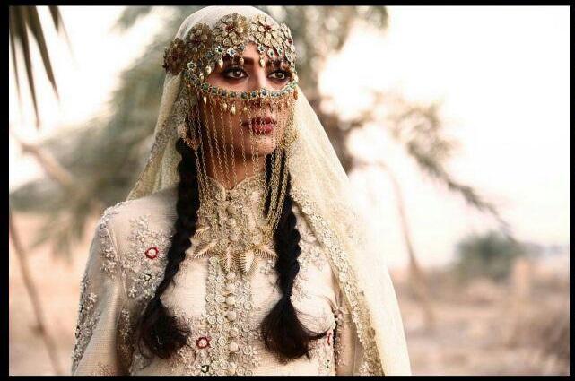 مونا فرجاد در فیلم سینمایی ماهورا