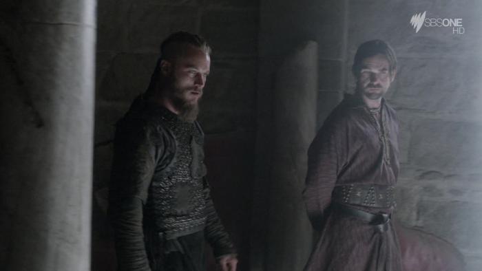 Duncan Lacroix در صحنه سریال تلویزیونی وایکینگ ها به همراه تراویس فیمل