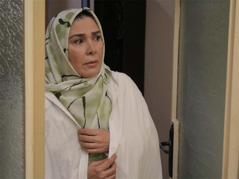 آفرین عبیسی در صحنه سریال تلویزیونی روزگار قریب