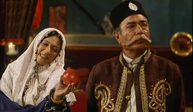 رویا تیموریان و علی نصیریان در فیلم پستچی سه بار در نمیزند