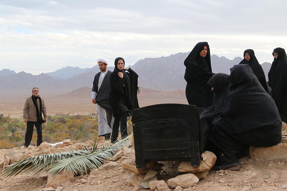 الناز حبیبی و ستاره اسکندری در فیلم سینمایی ناخواسته