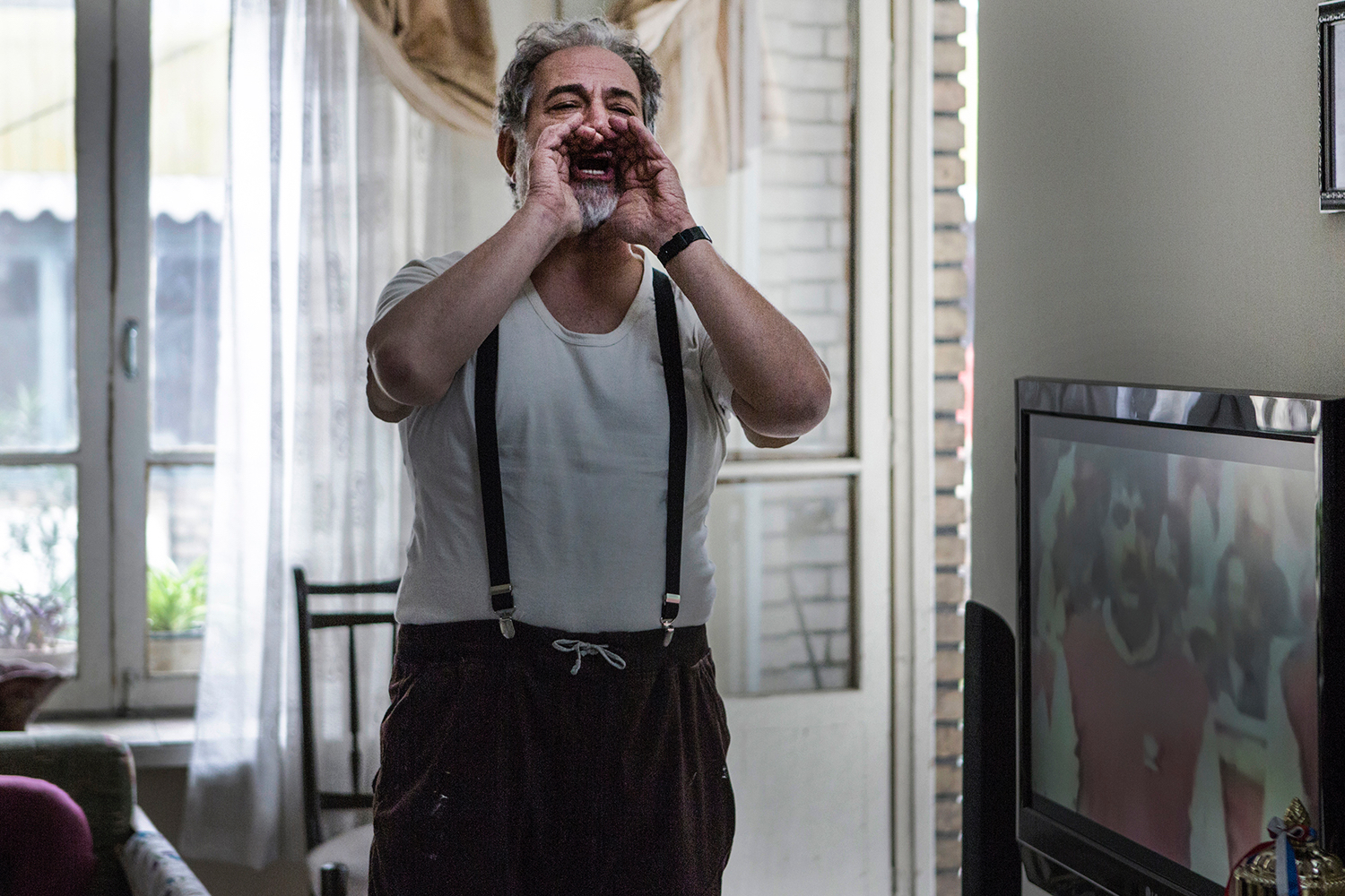 آتیلا پسیانی در صحنه فیلم سینمایی میلیونر میامی