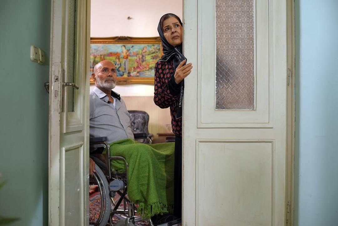افسر اسدی و جمشید هاشمپور در فیلم ملی و راههای نرفتهاش
