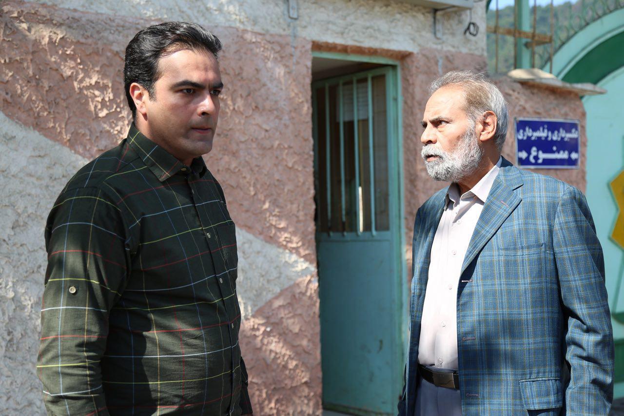 حسین توشه در صحنه سریال تلویزیونی راه و بیراه