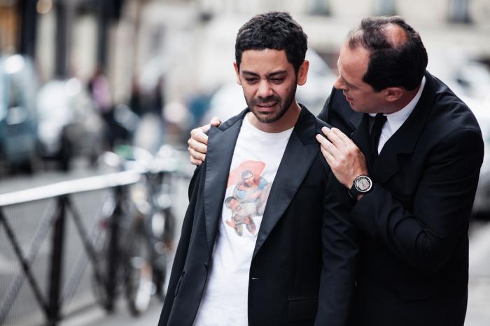 Manu Payet در صحنه فیلم سینمایی Situation amoureuse: C'est compliqué