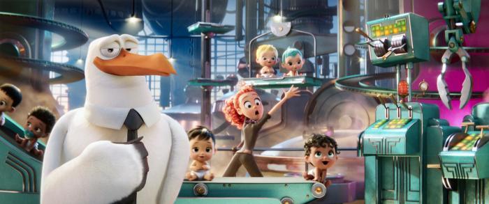 Katie Crown در صحنه فیلم سینمایی لک لک ها به همراه کلسی گرامر