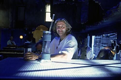 Roger Christian در صحنه فیلم سینمایی میدان نبرد زمین